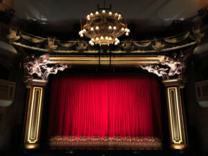 Arts And Entertainment: Theater Niche